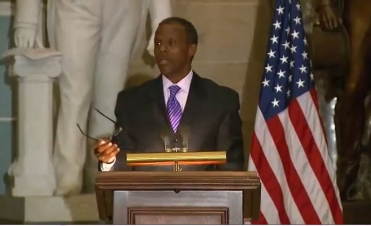 Photo of JC Watts speaks at Washington, Man of Prayer 2013